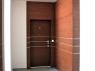 drzwi-fornirowane-z-metalowaymi-elementami-ozdobnymi