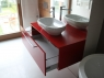 nowoczesne-meble-lazienkowe-czerwona-szafka-2